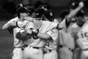 baseball-team-hug
